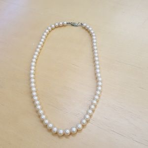 VINTAGE 1950S FAUX PEARLS NECKLACE